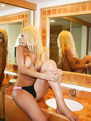 Shemale Milla Viasotti maturbates and shoots a big load of cum